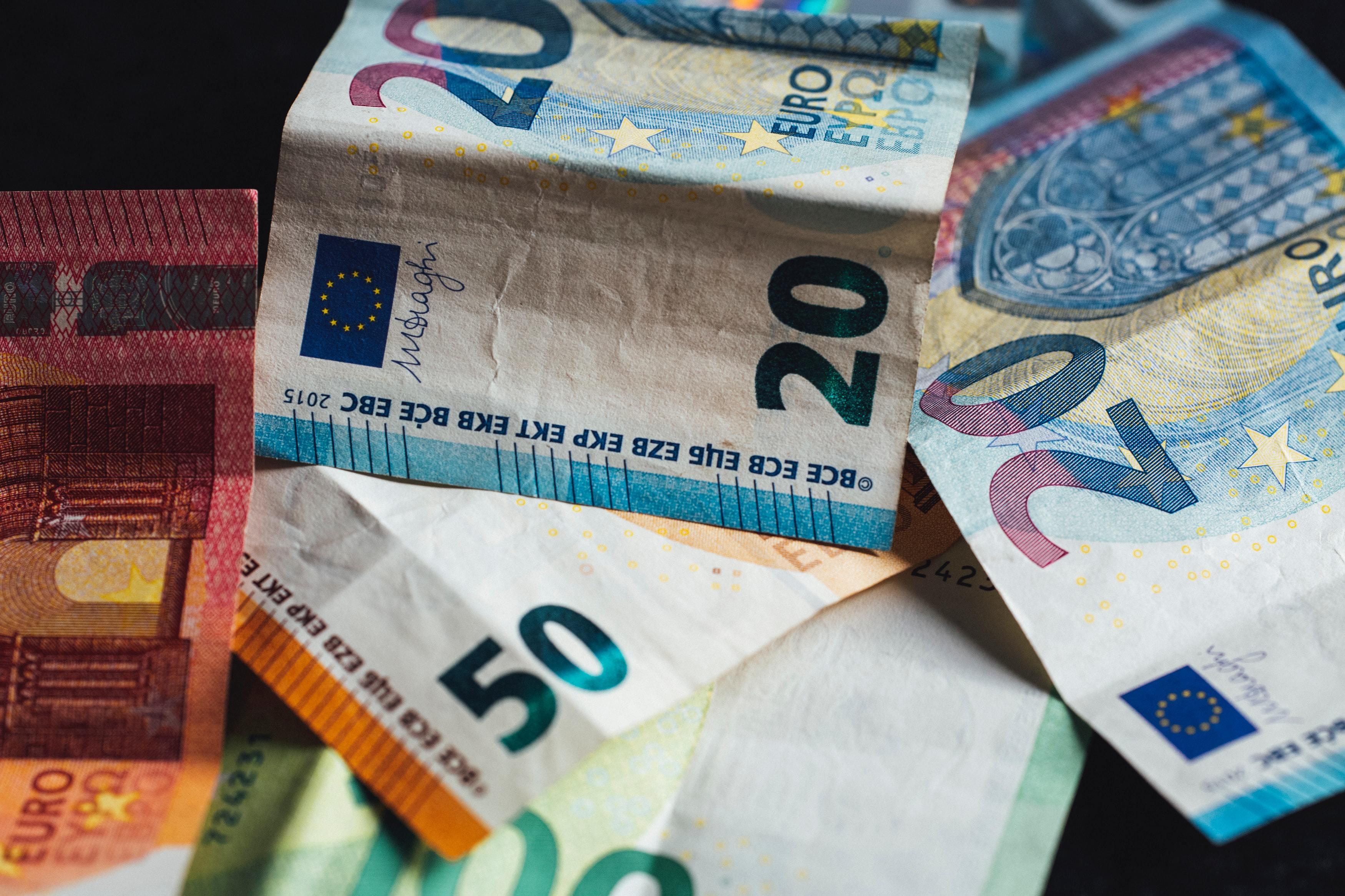 PI Geld ist nicht alles oder Mehrheit der Arbeitnehmer will bei Jobwechsel unbedingt mehr verdienen