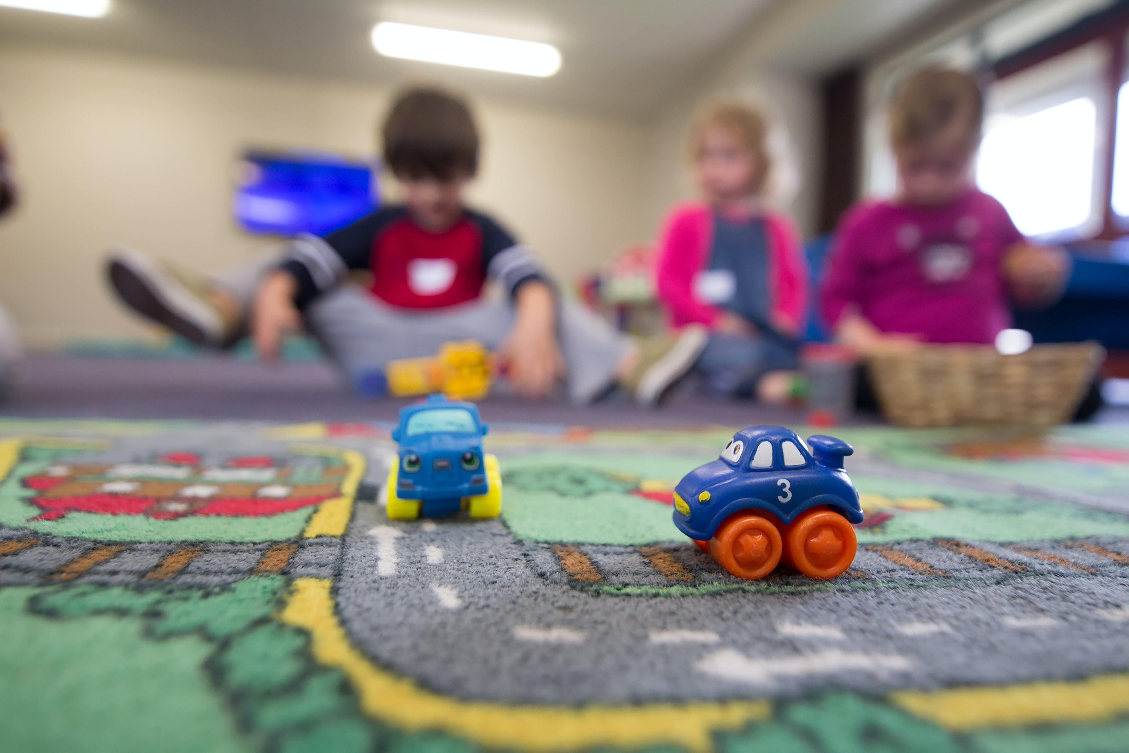 PI Umfrage Nur jede fünfte Firma bietet Kinderbetreuung an